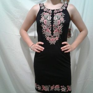 🌺 NWT INC  Embroidered Modal Dress